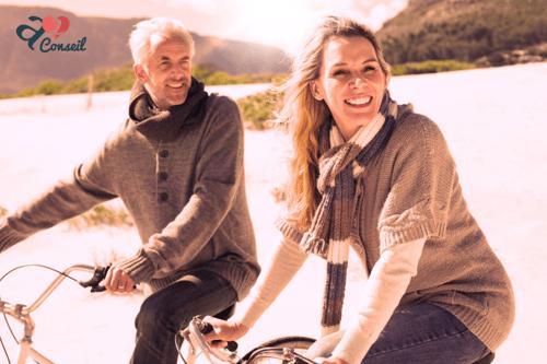 Couple vélo - A2Conseil - agence matrimoniale